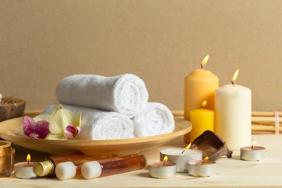 CANDLES AROMATHERAPY BATH TOWEL