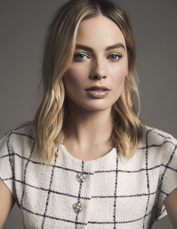 Margot Robbie Chanel