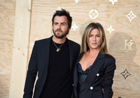 JENNIFER_ANISTON_JUSTIN_THEROUX-0328725302