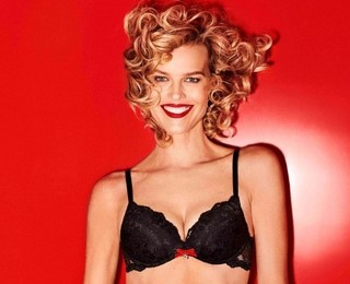 Eva Herzigova Yamamay Christmas collection  (3)